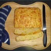 Sweet corn and cheese bread