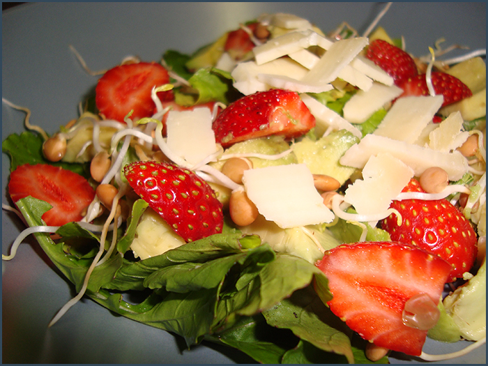 strawberry-and-avo-salad-1