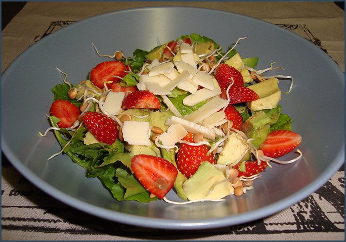 strawberry-and-avo-salad-3