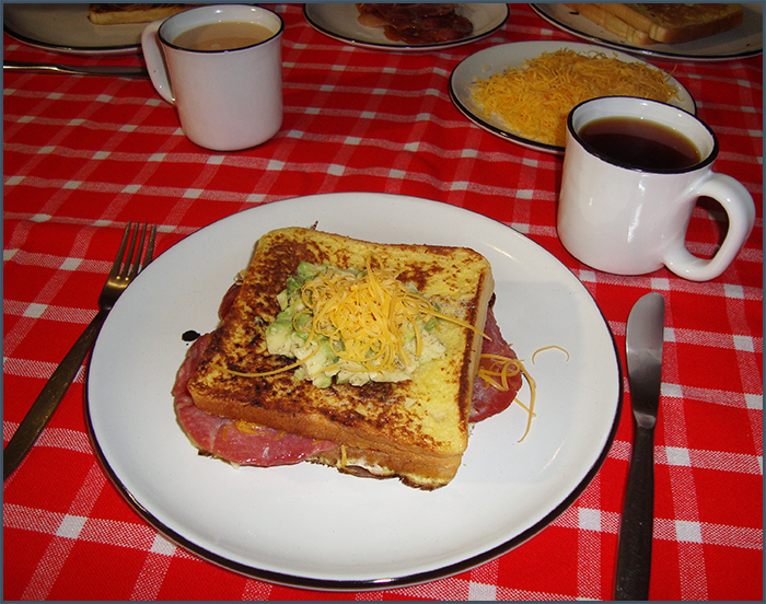 bacon-avo-and-cheese-french-toast-3