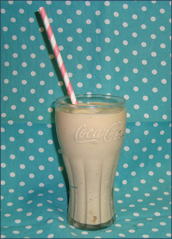 banana-and-peanut-butter-smoothie-2