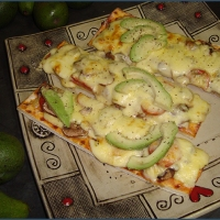 Chorizo and avocado pizza