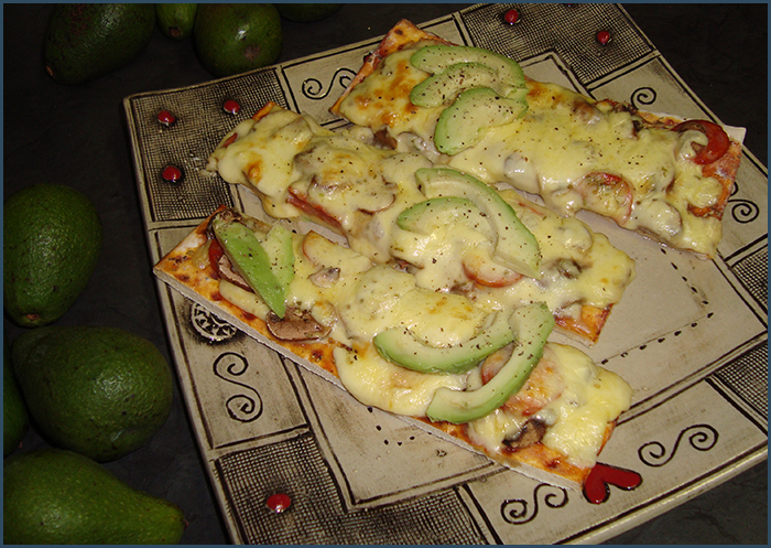 chorizo-and-avo-pizza-1