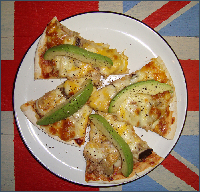 oyster-mushroom-and-tuna-pizza-1