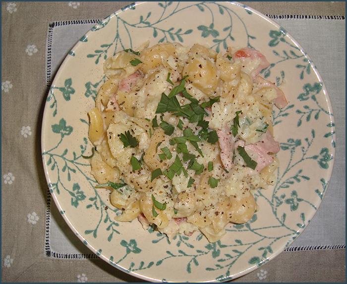 cauliflower-and-bacon-pasta-2