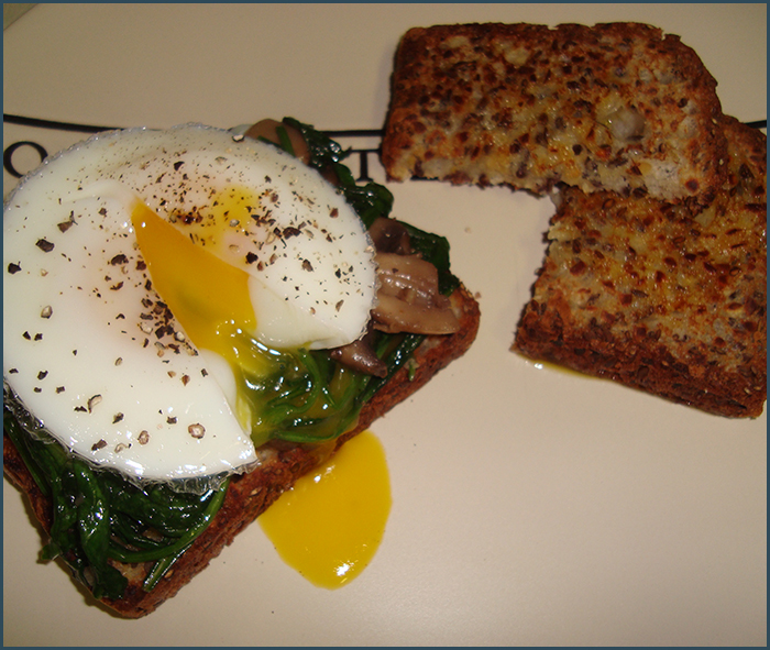 poached-egg-with-spinach-and-mushrooms-1
