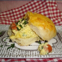 100th blog post: Scrambled egg breakfast buns