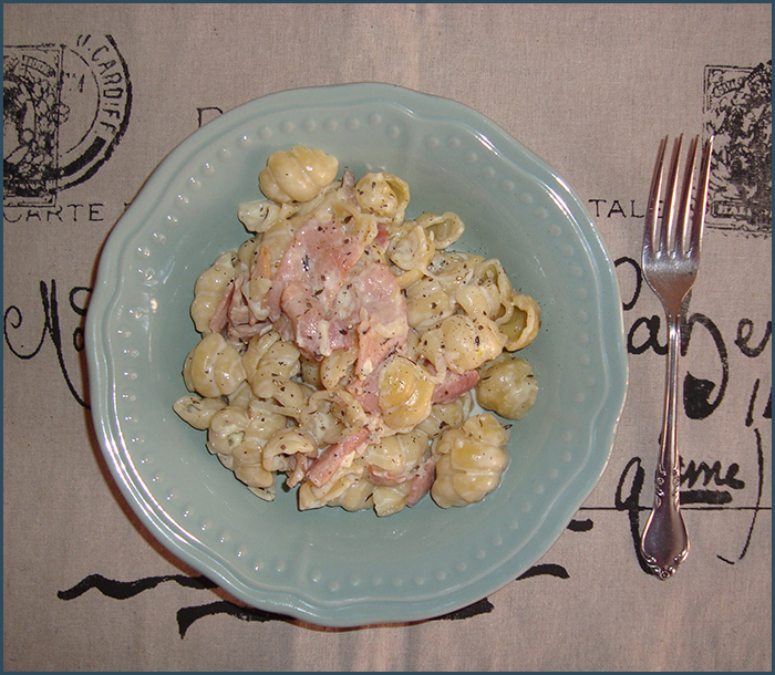 blue-cheese-and-bacon-pasta-1