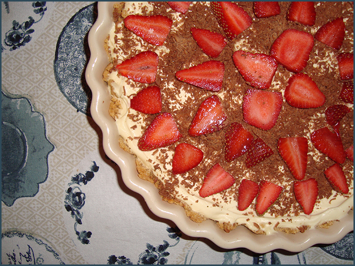 cheesecake-with-strawberries-and-chocolate-1