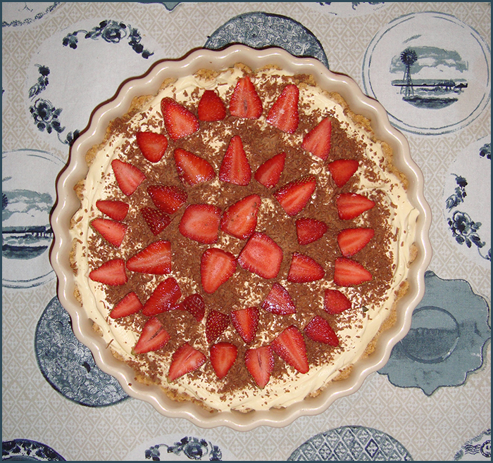 cheesecake-with-strawberries-and-chocolate-2