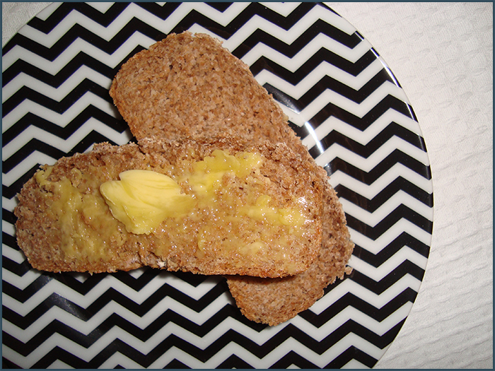 compact-brown-bread-2