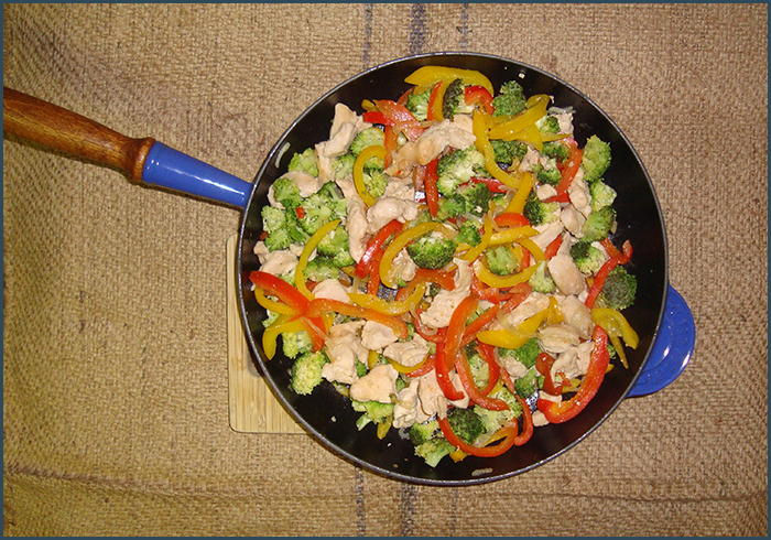 cashew-and-chicken-stirfry-noodles-2