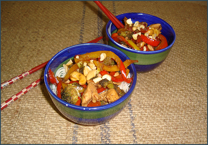 cashew-and-chicken-stirfry-noodles-3