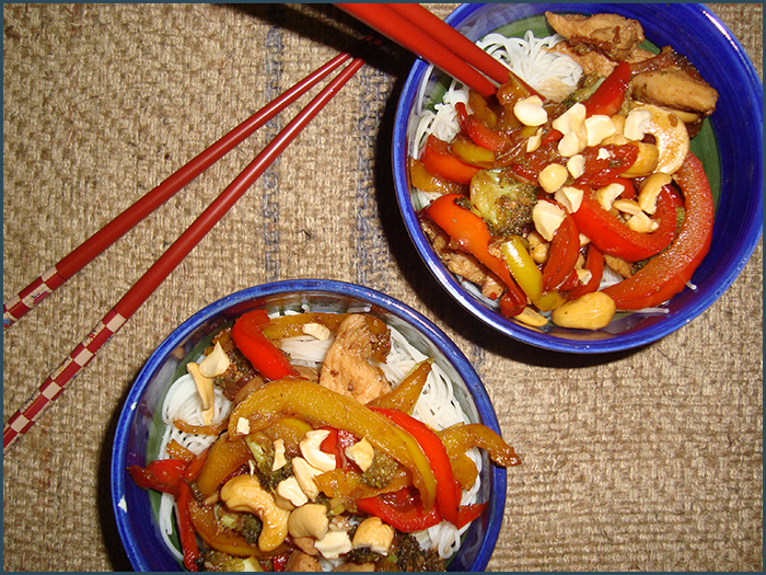 cashew-and-chicken-stirfry-noodles-4