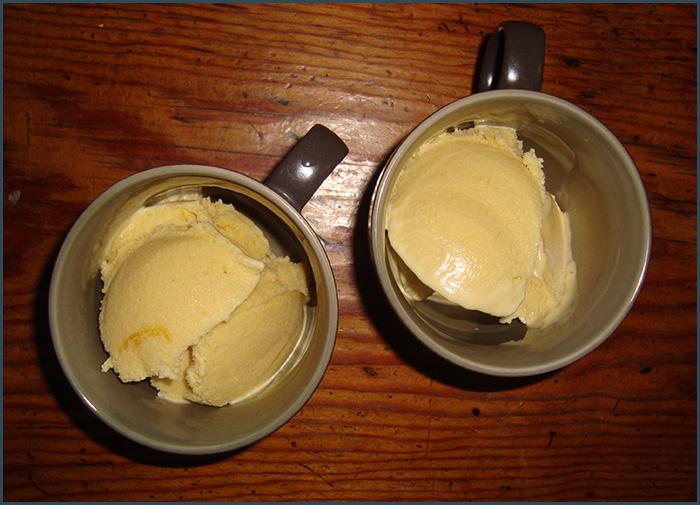 mango-and-vodka-ice-cream