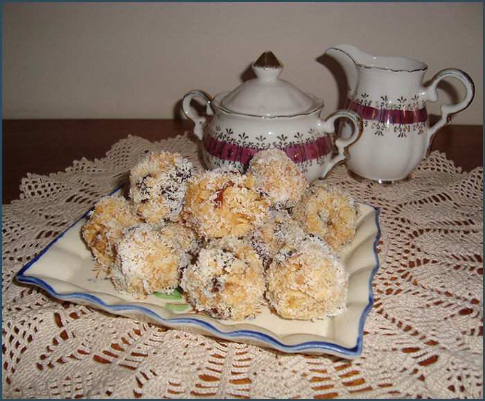 date-and-coconut-balls-1