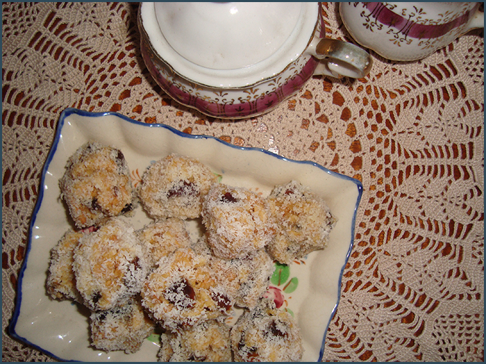 date-and-coconut-balls-2