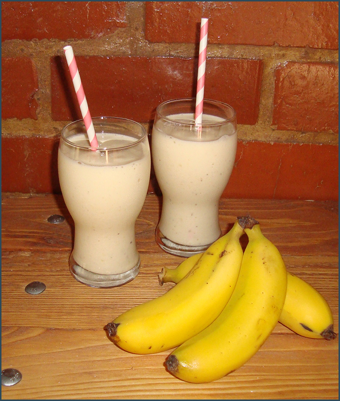 banana-and-pineapple-shake
