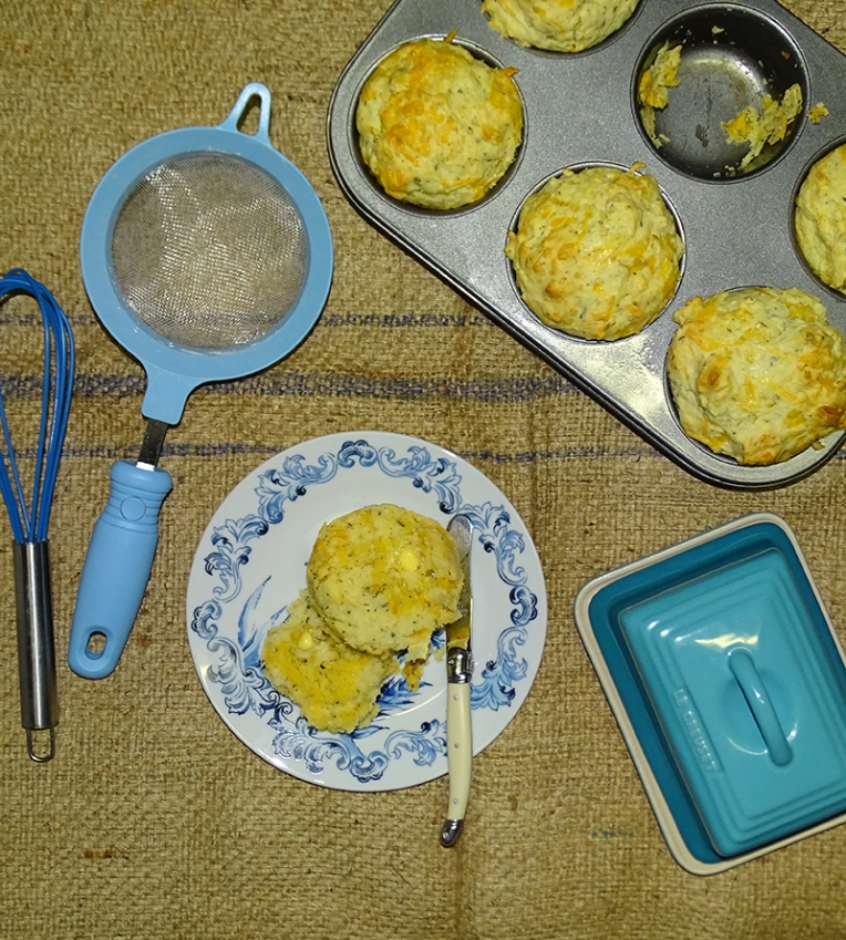 cheese-and-herb-muffins-3
