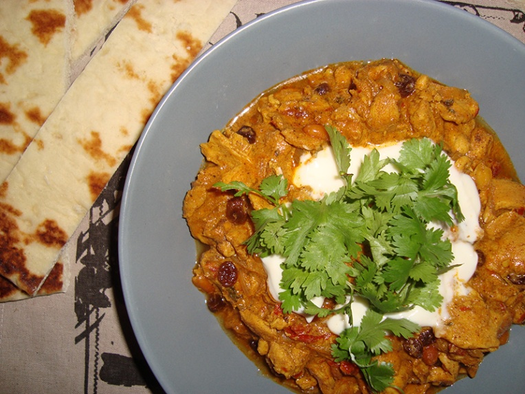 chicken-curry-with-peanuts-and-raisins
