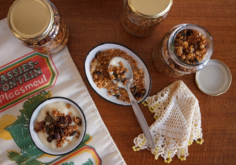 honey-granola-with-sunflower-and-pumpkin-seeds-1