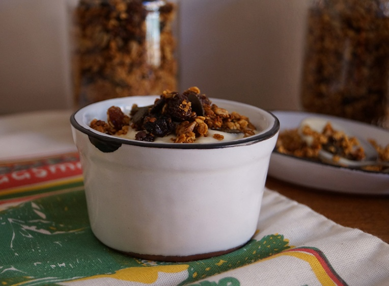 honey-granola-with-sunflower-and-pumpkin-seeds-3