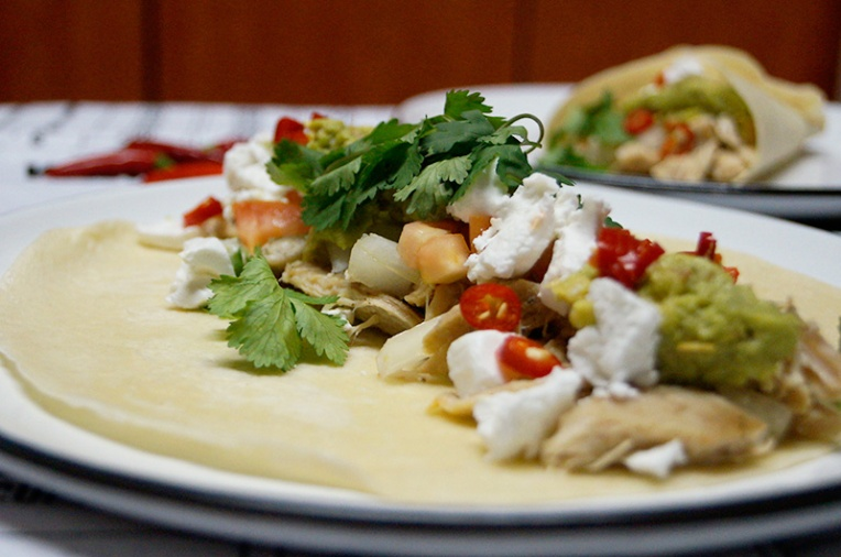 spicy-chicken-wrap-with-guacamole-and-feta-1