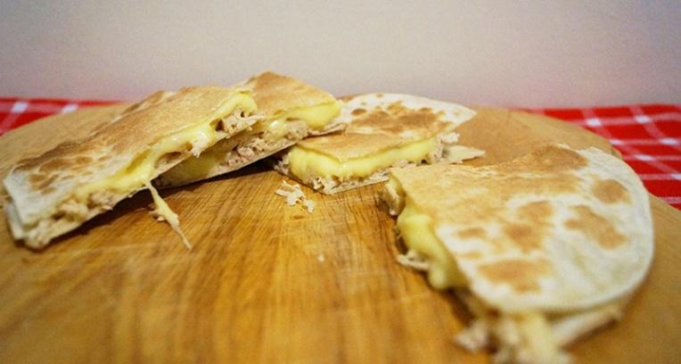 chicken-and-mozzarella-quesidillas-2