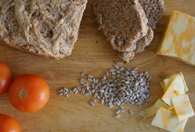 wheat-bread-with-sunflower-seeds-1