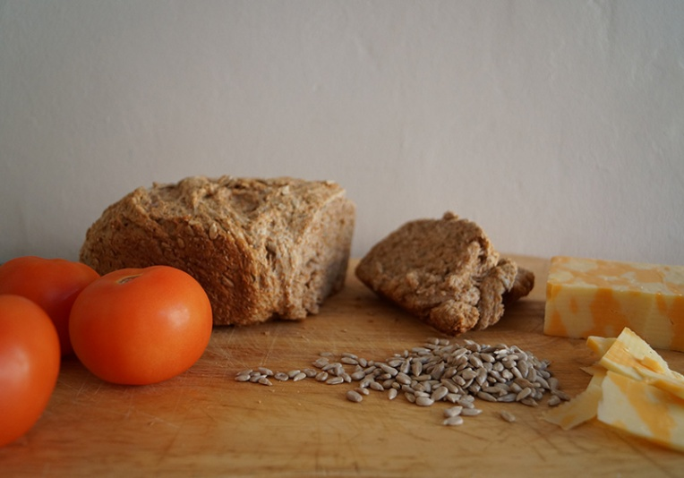 wheat-bread-with-sunflower-seeds-2