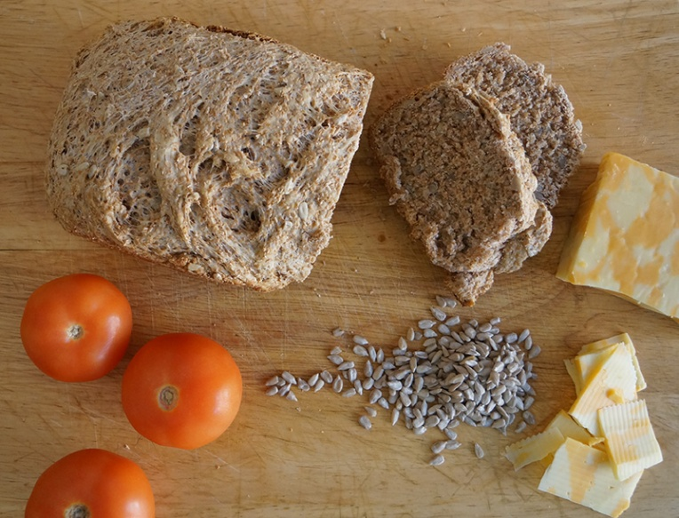 wheat-bread-with-sunflower-seeds-4