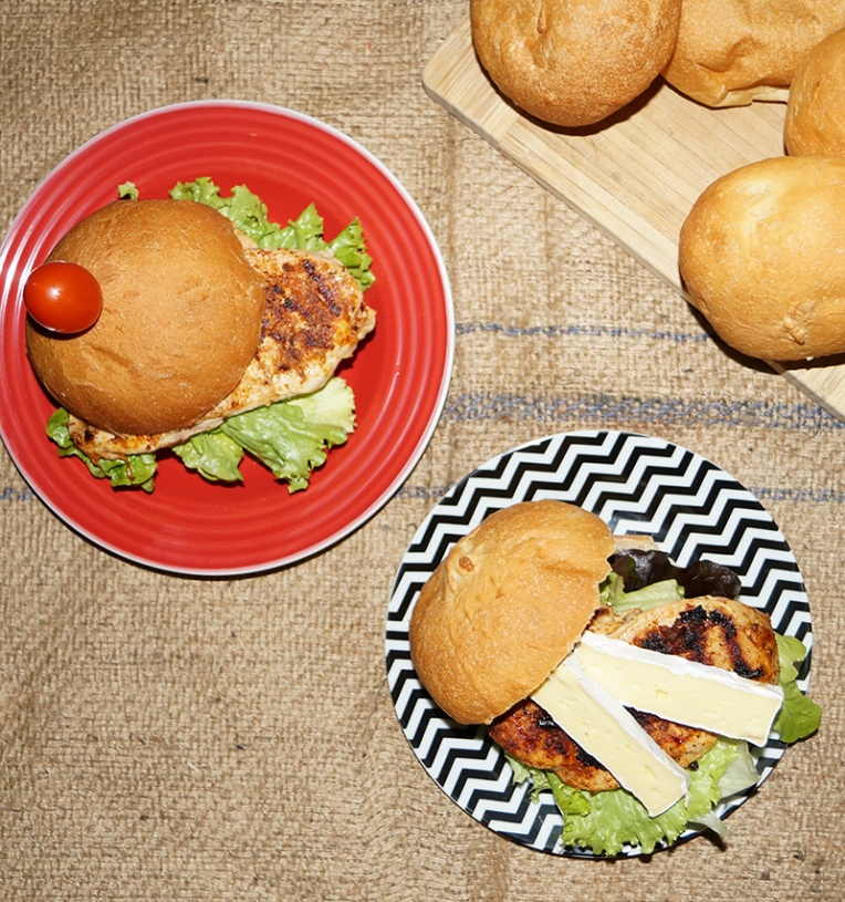 chicken-tikka-burger-with-camembert-2