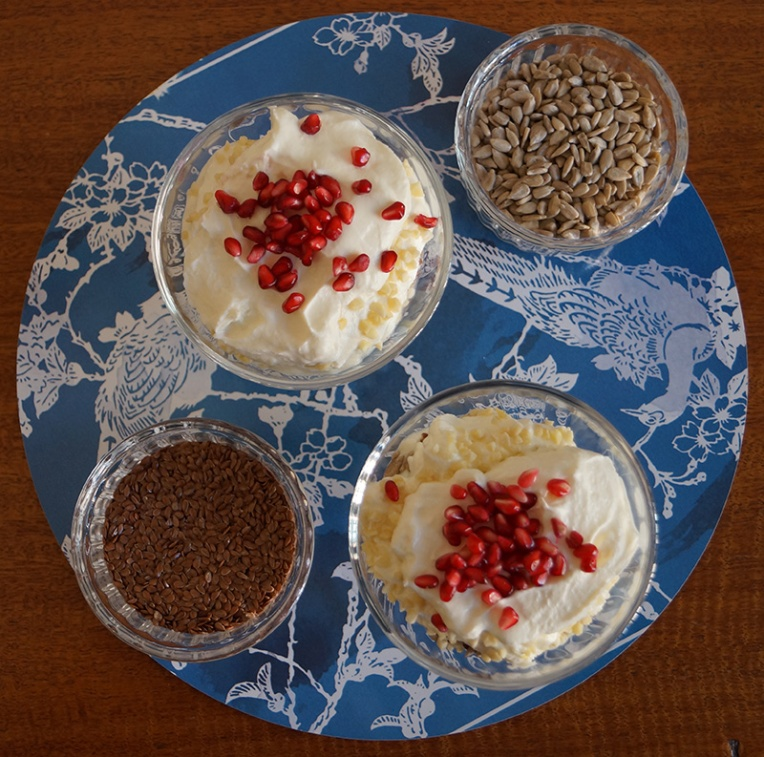 yogurt-breakfast-parfait-with-pomegranate-4