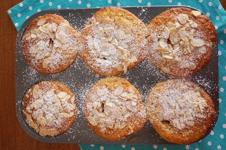 peach-and-almond-muffins-2