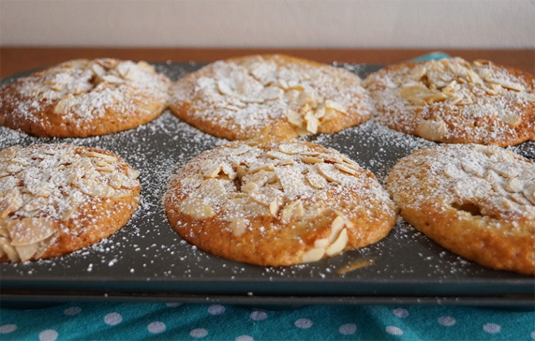 peach-and-almond-muffins-3