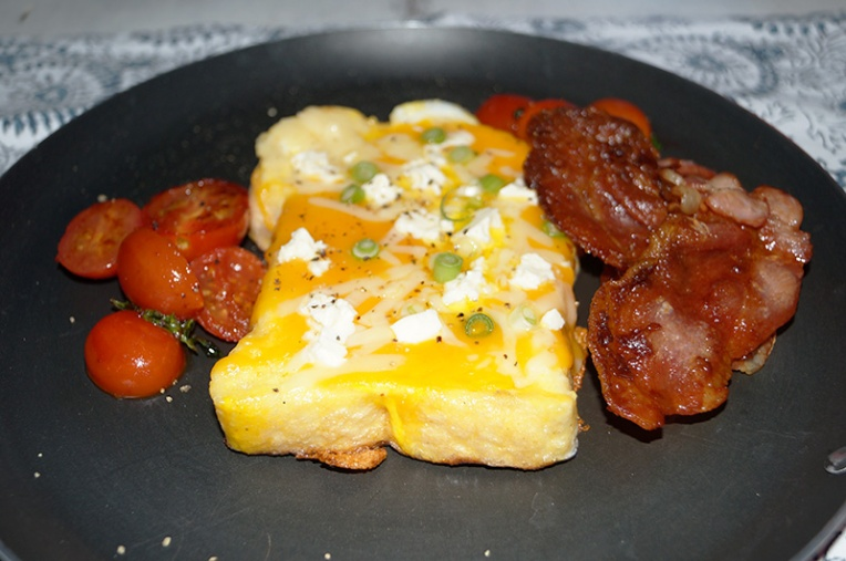 three-cheese-french-toast-with-spring-onion-2