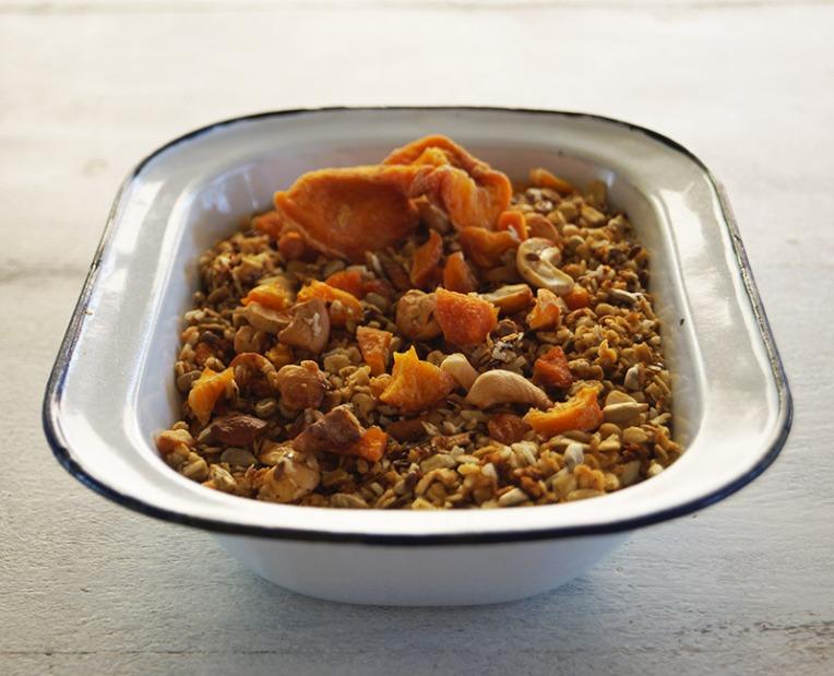 peach-and-cashew-granola-3