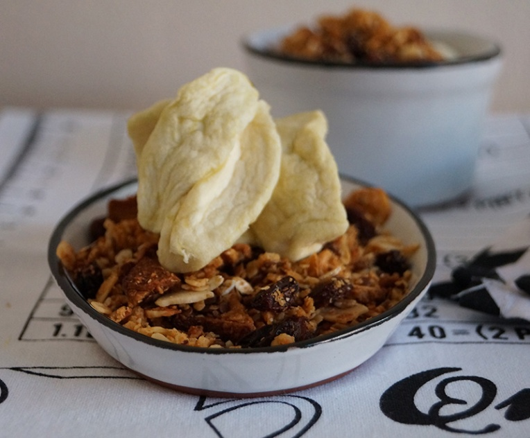 apple-and-almond-granola-1