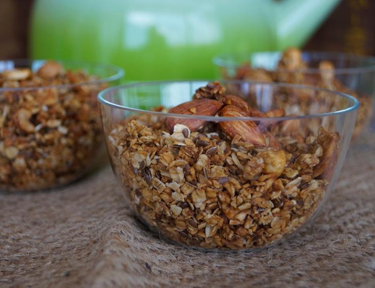 Mixed nut and honey granola 2