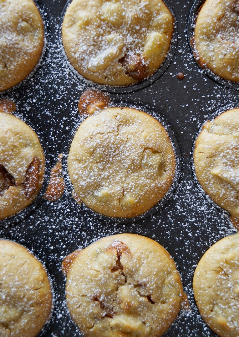 Pear and caramel muffins 2