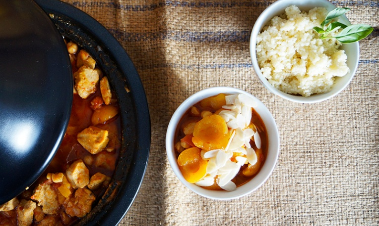 harissa-chicken-tagine-with-chickpeas-and-apricots-2